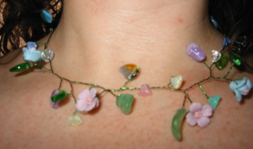 vine_necklace1.JPG