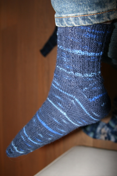 navy_socks2.JPG